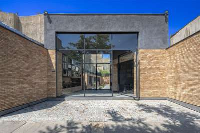 SteelForm Showroom | Architecture of Iran